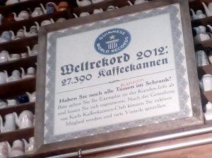 02-Weltrekord-damals-27.390-Kaffeekannen-heute-fast-das-doppelte-1