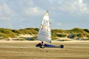 Auch exotischere Strand-Sportarten haben in St. Peter-Ording eine große Fangemeinde. -  @ Hans-Peter Dehn / pixelio.de (rkn)