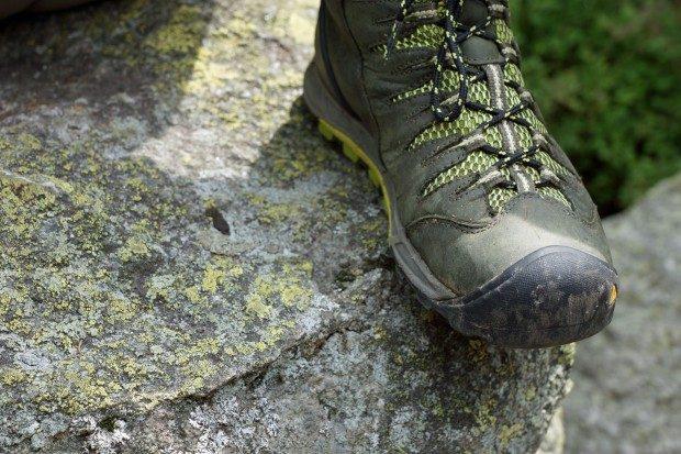 Festes Schuhwerk ist für jede Wanderung ein Muss - und ganz besonders für diese - © Martin Jäger / pixelio.de (rkn)