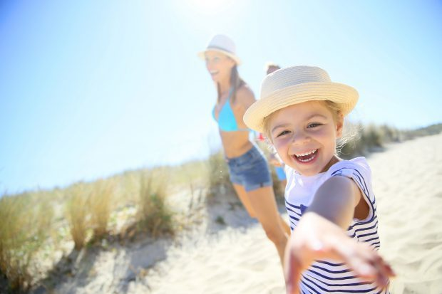 So richtig erholen im Familienurlaub auf Rügen - Foto: goodluz/Fotolia.com