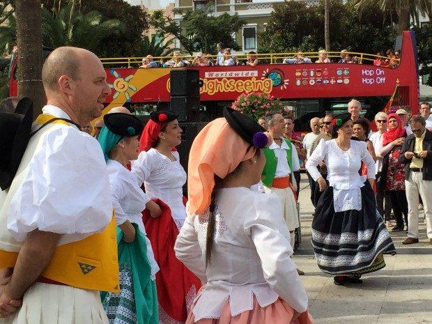 Tanzgruppe in Las Palmas de Gran Canaria, Copyright © Marion Hagedorn/InterDomizil