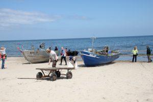 buntes Treiben in Baabe, wenn die fischer anlegen ist immer was los - Foto: InterDomizil GmbH