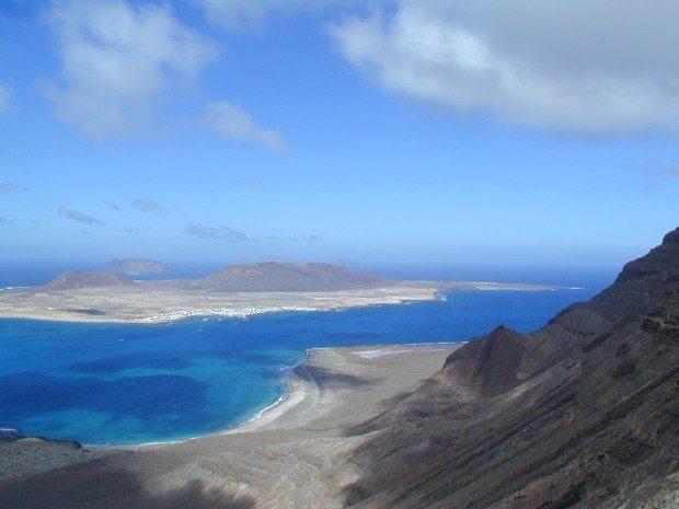 Blick auf die Insel La Graciosa von Lanzarote aus / Copyright © Marion Hagedorn
