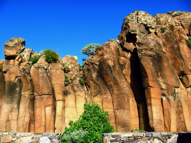 Basaltfelsen auf La Gomera - Foto: Andreas Hermsdorf / Pixelio.de (rkn)
