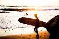 Sportlich aktiv in Warnemünde: die besten Spots für Stand-up-Paddler, Wellenreiter und Windsurfer