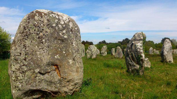 Carnac, beeindruckende Steinlandschaft in der Bretagne - Foto: Pixabay (CC0)