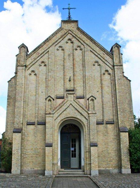 Die Katholische Kirche am Fürstenburgwall - © InterDomizil GmbH
