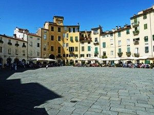 lucca_piazza