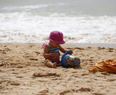 Ein Strandtag mit den Kindern – 15 Tipps für einen unbeschwerten Ausflug