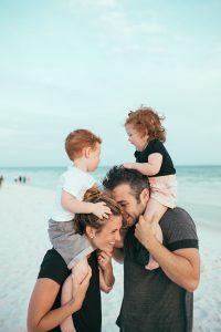 Familienglück am Strand von Teneriffa - Foto: Grant Benton (CCZero)