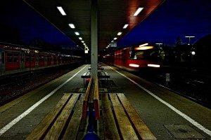 Einfahrender Nachtzug
