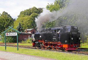steam-locomotive-2947932_1920