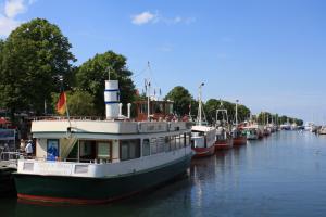 Alter Strom Ausflugsschiffe / © InterDomizil GmbH