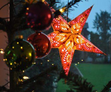 Mit diesen Ferienhaus Dekorationsideen eine weihnachtliche Atmosphäre schaffen