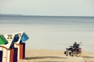 Mit dem Rollstuhl an den Baaber Strand // BIld: Pixabay (CC0)