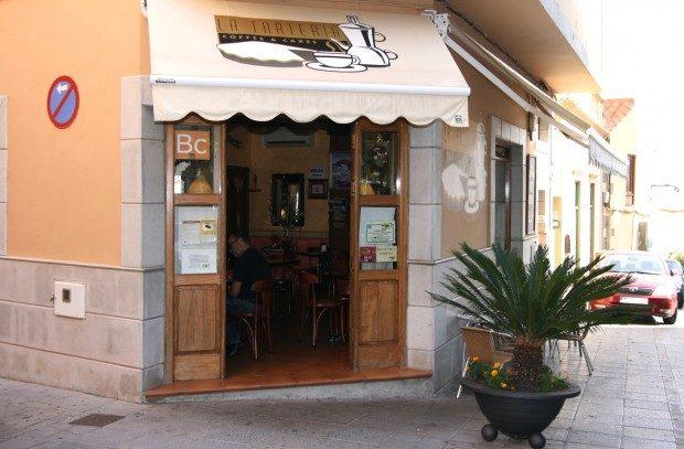 """Café """"La Tarteria"""" neben dem Kirchplatz / Copyright © Marion Hagedorn/InterDomizil"""