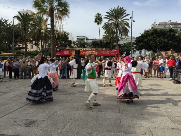 Folkloretanz in Las Palmas de Gran Canaria, Copyright © Marion Hagedorn/InterDomizil